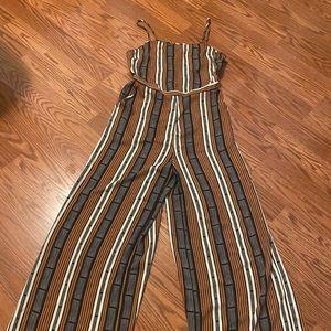 FOREVER 21   Sleeveless jumpsuit medium